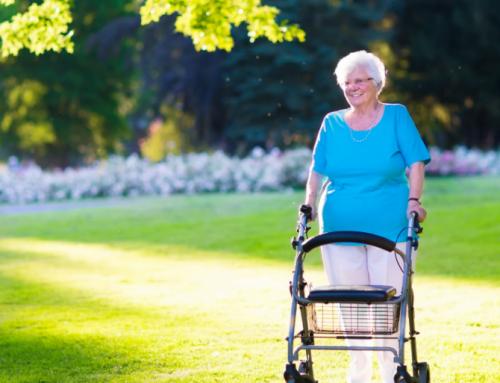 Mobiliteitshulpmiddelen: meer bewegen met een rollator of rolstoel